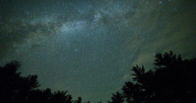 Nov 2: Conjunción de la Luna y la estrella Aldebarán