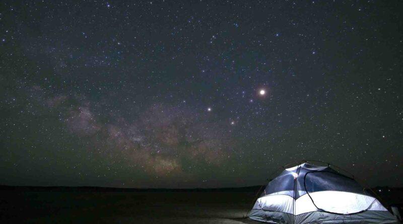 Conjunción de la Luna y las estrellas Cástor y Pólux - Los Secretos de Dorian
