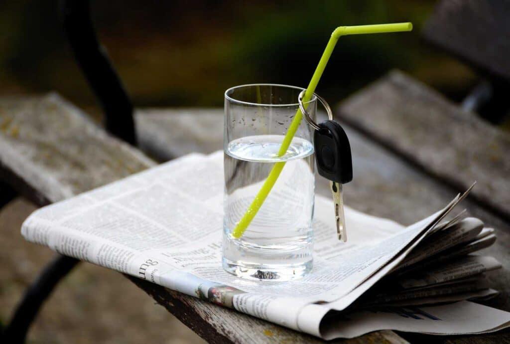 Vaso de Agua - 7 Secretos en el Día de la NO DIETA: celebrando el Día Internacional de la No Dieta - Belleza y Salud - Dietas - Los Secretos de Dorian - El Magazine de la Eterna Juventud