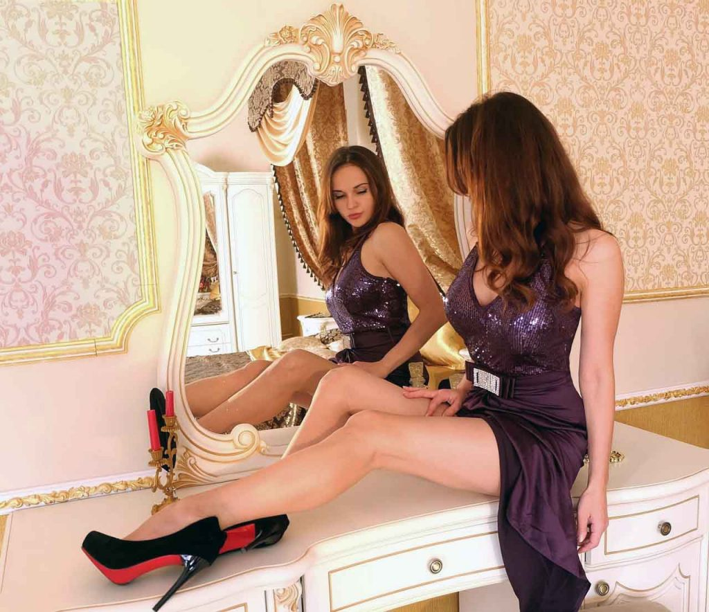 10 tendencias de Moda para el Otoño/Invierno 2021-2022 - Tendencia #4: El Lila - Los Secretos de Dorian: El Magazine de la Eterna Juventud